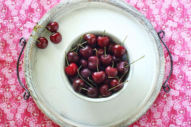 black cherry champagne floats   SoupAddict.com