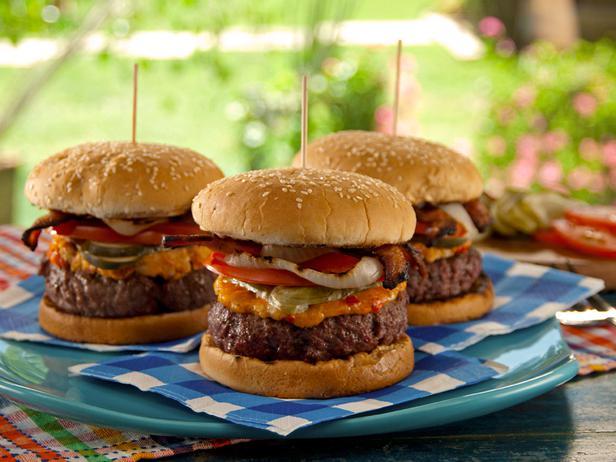 labor-day_Pimiento-Cheese-Bacon-Burger-Recipe_s4x3_lg