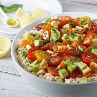 Avocado Cherry Tomato Ramen Noodle Bowl | SoupAddict.com