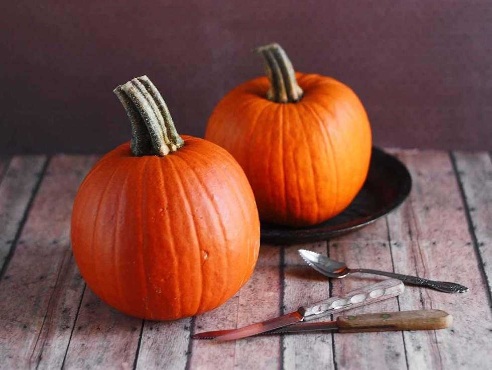Two pumpkins for fresh pumpkin puree