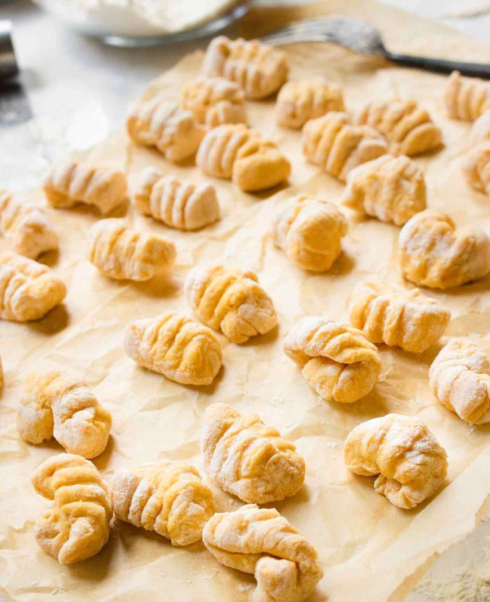 Pumpkin gnocchi with ridges, ready to be cooked