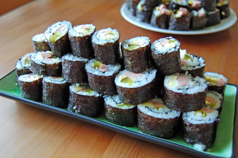 Kimbap (korean sushi rolls)