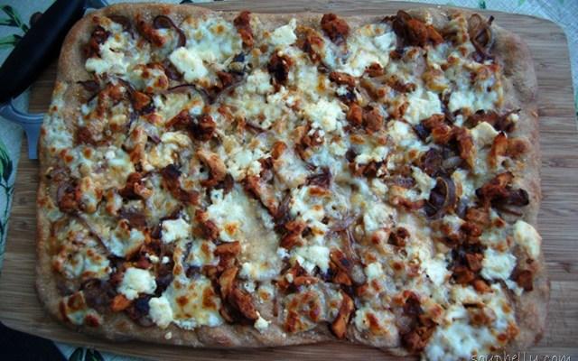 Pizza Week – Day 5 – BBQ Chicken, Caramelized Onion and Gorgonzola