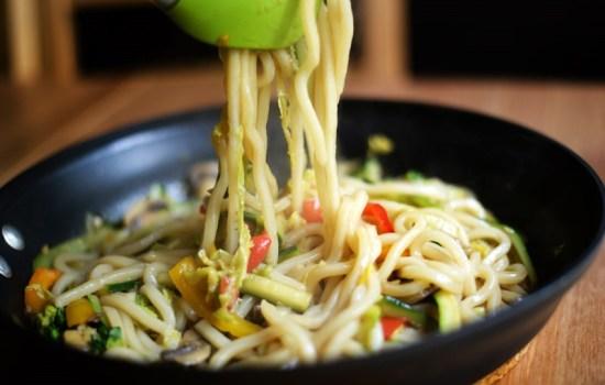 Stir Fried Udon Noodles with Vegetables