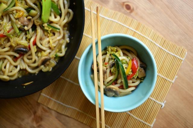 stir fried udon noodles vegetables 2