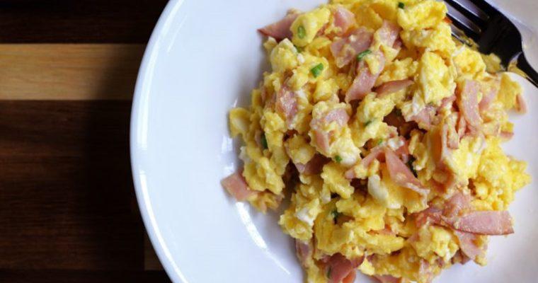 Creamy Scrambled Eggs (ham and cheese)
