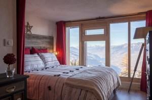 Appartement alpin (Les Arcs 1800) - Chambre avec vue - Appartement Les Arcs Vue Mont-Blanc - Thomas Ouf - Source Studio - Architecte d'intérieur à Aix-les-Bains en Savoie