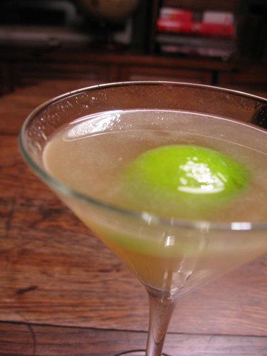 Cocktail Recipe: The Bone