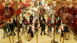 Holiday Sales Beat Expectations, Boosted Last-Minute