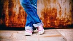 denim converse teenager pixabay