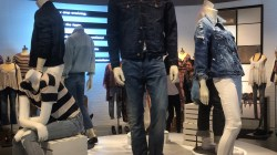 American Eagle Goes Strong with Stretch