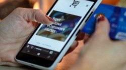 Modern Shopping, Price Vies With Convenience