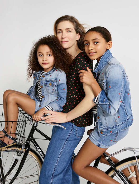 mom with two kids