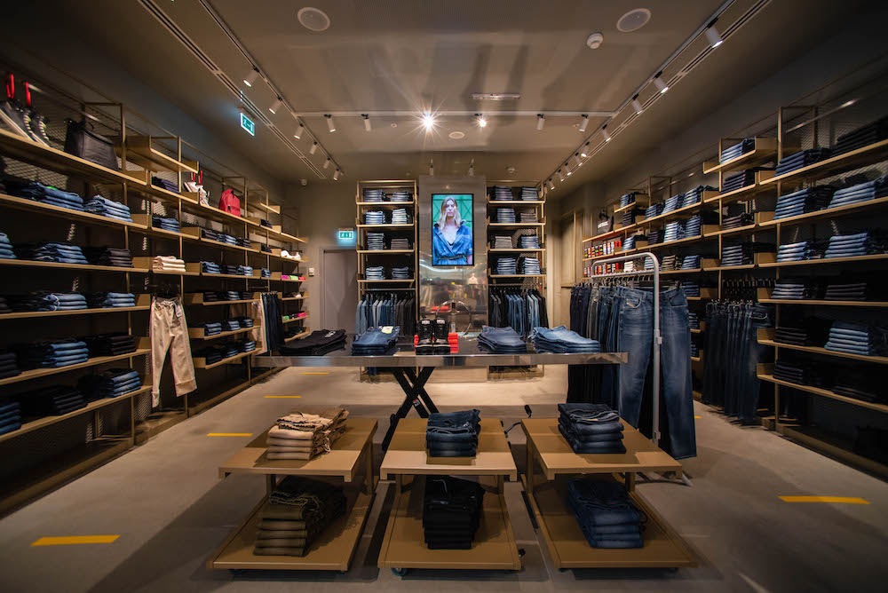 Diesel is expanding its retail footprint in Russia with a new Moscow flagship and plans to add more wholesale retail partners.