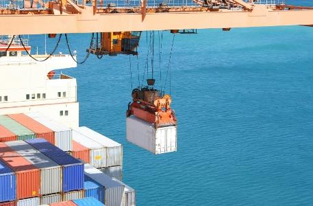 Freight_unload_cargo_ship_port