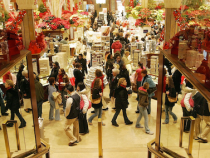 Holiday Sales Beat Expectations, Boosted by Last-MinuteShoppers