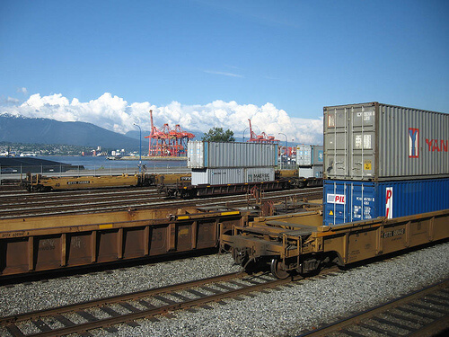 freight_rail_shipping_port