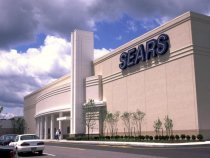 Sears Shares Fall 30 Percent as Bankruptcy Lurks
