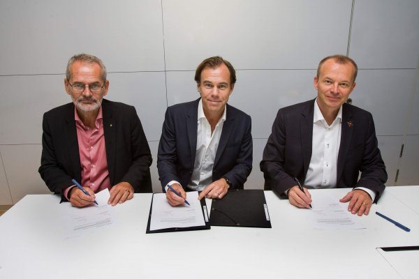 H&M signs agreement with IndustriAll and IF Metall