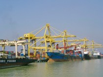 Bangladesh Moves to Ease Congestion at Chittagong Port After Two-Week Delays