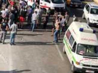مُصابة جراء حادث سير على اتوستراد صيدا صور