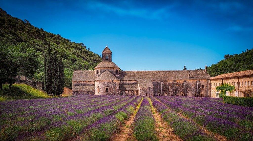 La Provence, ses senteurs de lavande et ses magnifiques couleurs.