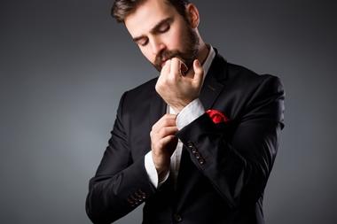 結婚式の服装の男性のマナー