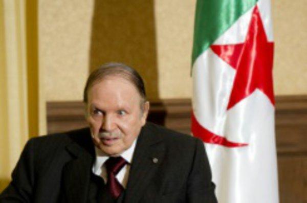 عاجل: الجزائر تطرد مهندسي الاتصالات بعد تسريب تورط جنرالاتها في الارهاب ضد المغرب