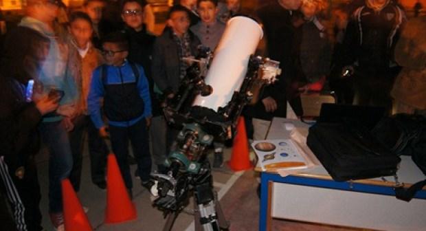 """مهرجان """"الفلك"""" بوزان يستقطب تلاميذ المؤسسات التعليمية"""