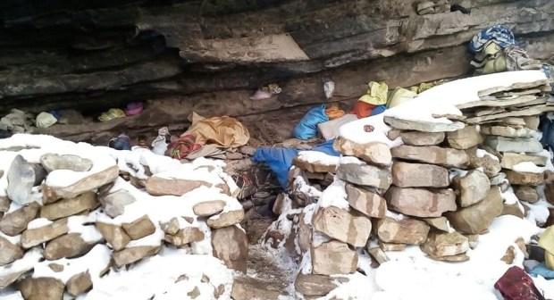 تينغير: الثلوج تحاصر 60 شخصا من الرحل