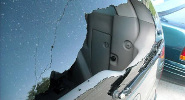 دورة بلدية أكاديرعلى وقع احتجاجات ساكنة أنزا ومستغل لبيوت النظافة يكسر سيارة نائب الرئيس