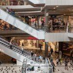 ショッピングモールのフードコートはなぜ広いのか