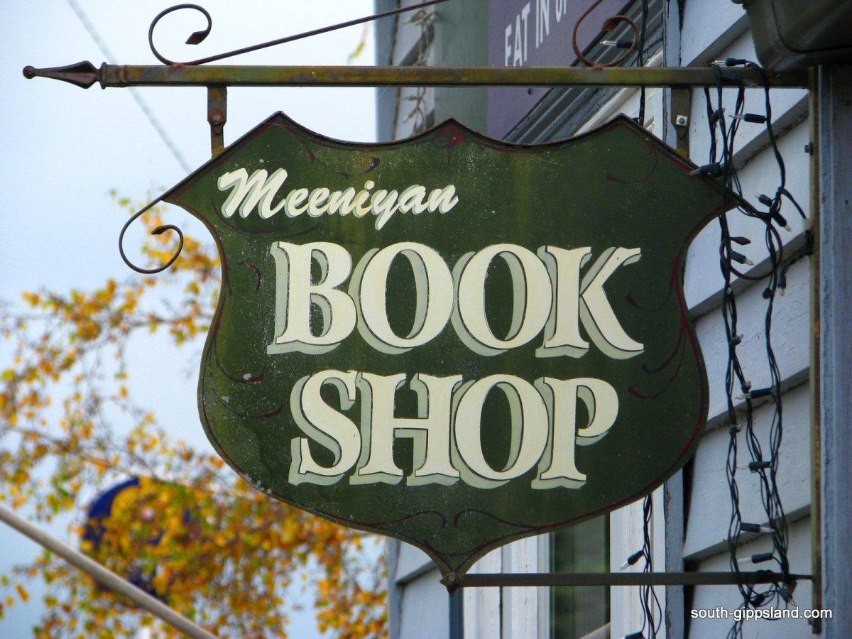 Meeniyan-Art-Gallery Book shop sign