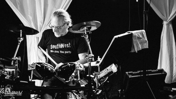 Wedding drummer Gérard