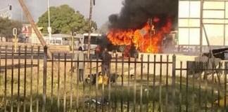 Burning-bus-in-Hammanskraal