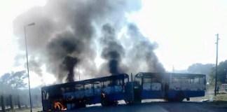 Burning-buses-in-Hammanskraal