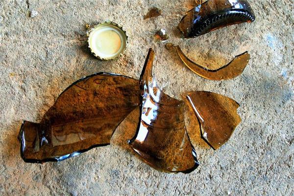 Burglary and looting of liquor store in Langa, Cape Town