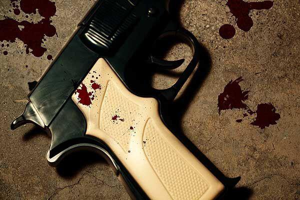 Woman hijacked - home owner shoots hijacker dead, JHB
