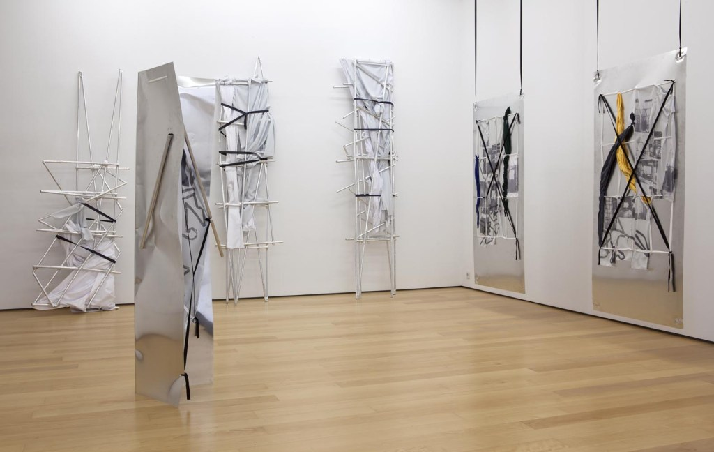 Yorgos Sapountzis, Athens Screens, 2014_installation view_d
