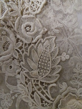 lace-from-1910s-dress