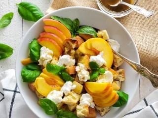 peach panzanella salad feature