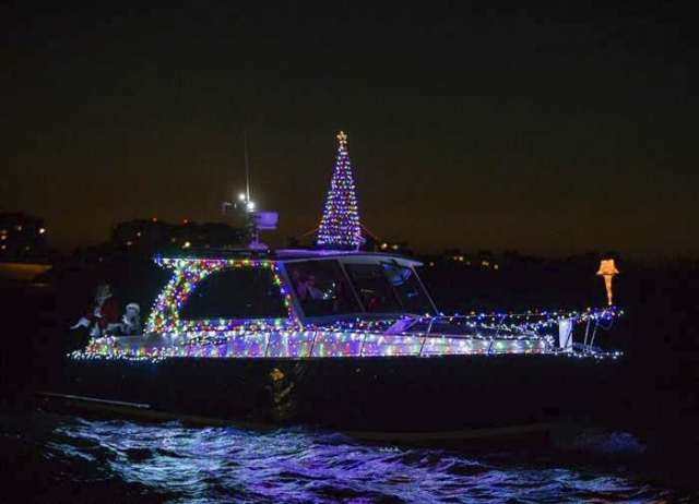 Here is the 40' Windsor cruising through Sarasota Bay on the way to the judges' stand at Marina Jack: Sarasota Bayfront this weekend during the 29th Annual Sarasota Holiday Boat Parade of Lights.