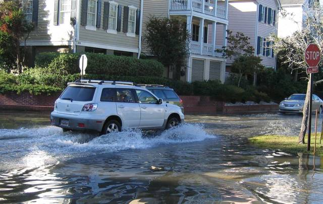 sea level rise causes flooding