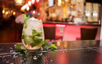 An image of a mint julep, the ideal spring cocktail