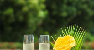 an image of champagne glasses with a Venetian Spritz