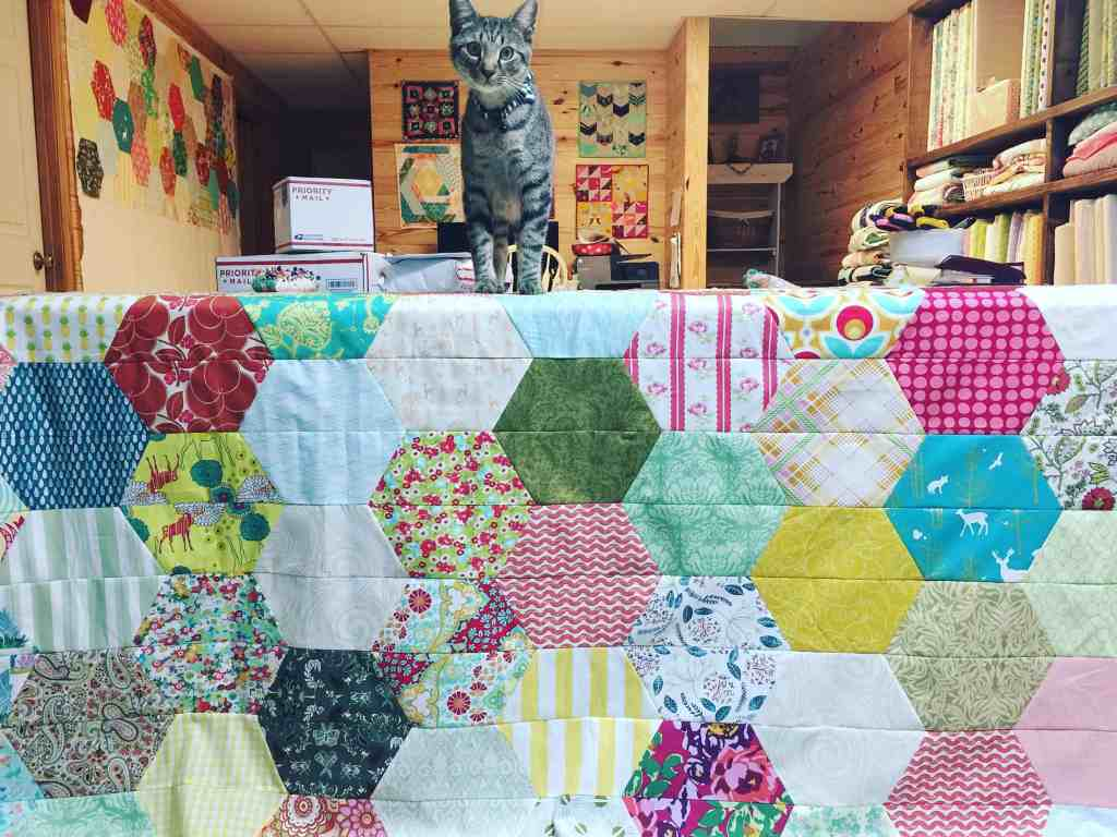 Quilt Reveal – Hexagon #4 + Granny Chic style + Quilt Kit chatter