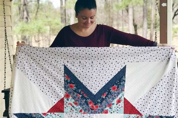 The Carolina Mingle Quilt Along – Week 4 – Borders + Finished Quilt Top