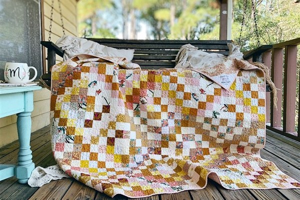Quilt Reveal – Trippy Quilt #3 – The Golden One + Pattern Tester Versions