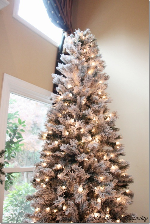 merry christmas a white and silver christmas tree - Flocked Christmas Tree Decorating Ideas
