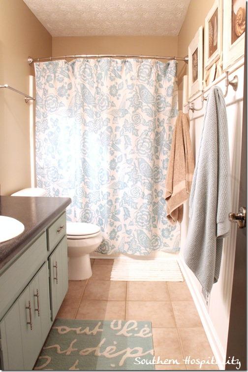 Update 1970s Bathroom